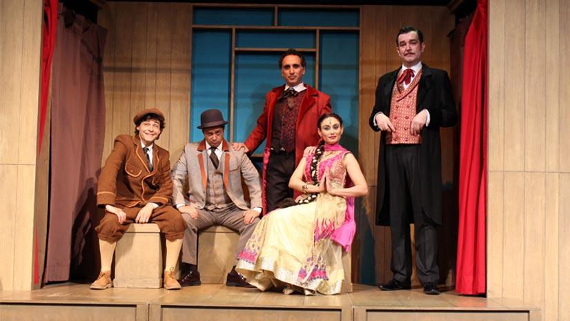 'La vuelta al mundo en 80 días' en el Teatro Muñoz Seca