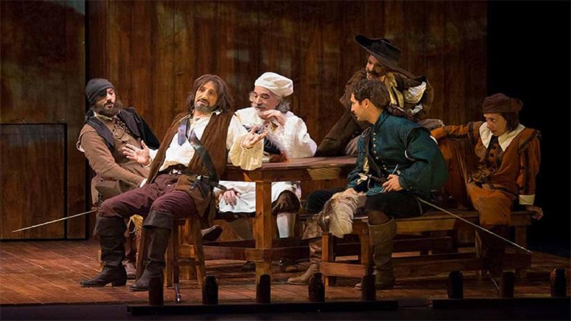 'Cyrano de Bergerac' , amor, lealtad, humor y duelo de espadas