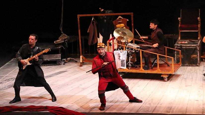 'Crimen y telón', el teatro vivo y necesario